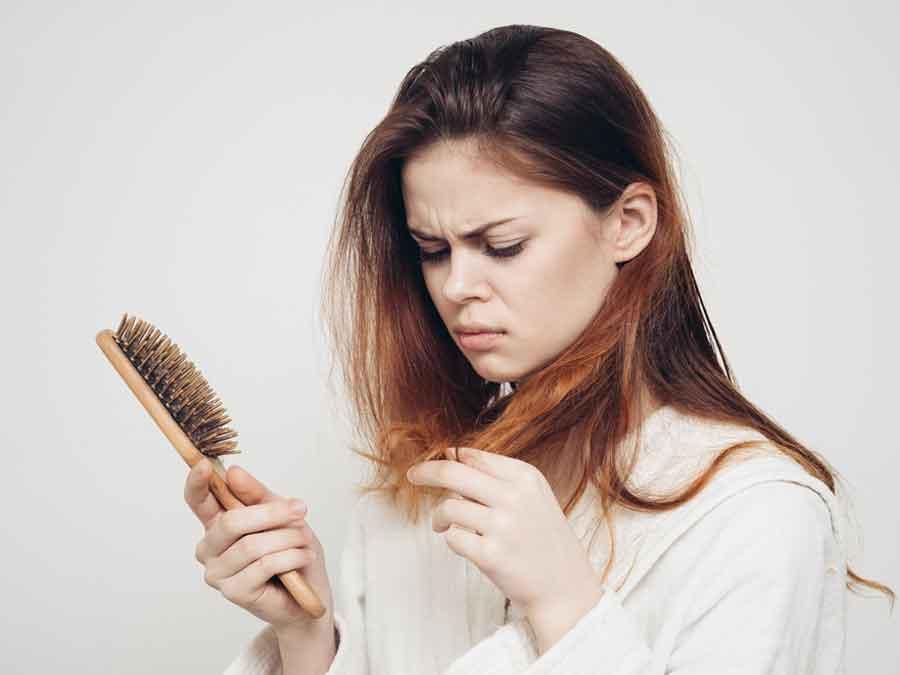 Haarausfall-bei-Frauen